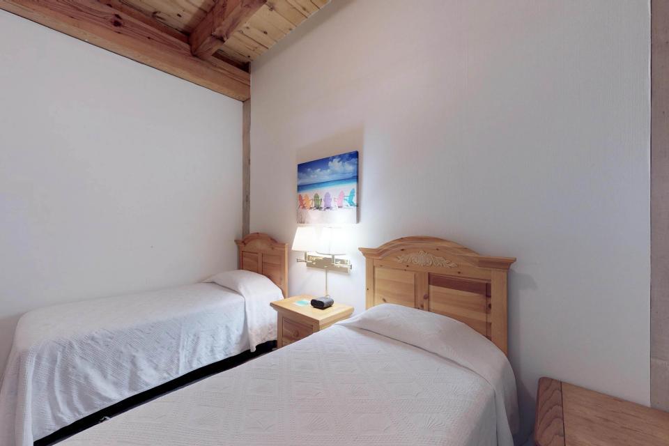 Island Inn - 46G - Oak Bluffs Vacation Rental - Photo 22