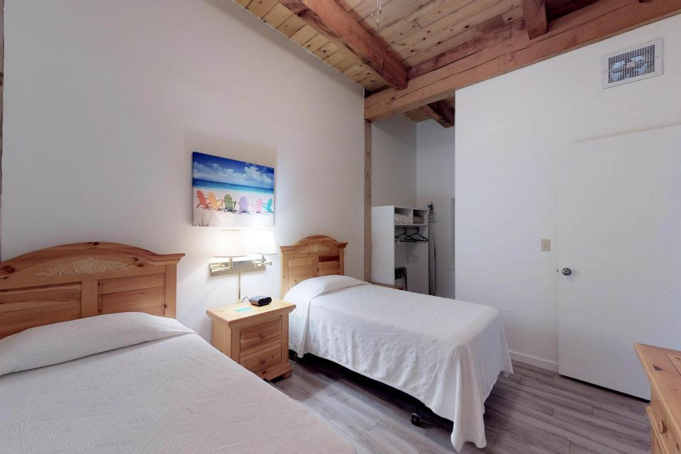 Island Inn - 46G - Oak Bluffs Vacation Rental - Photo 25