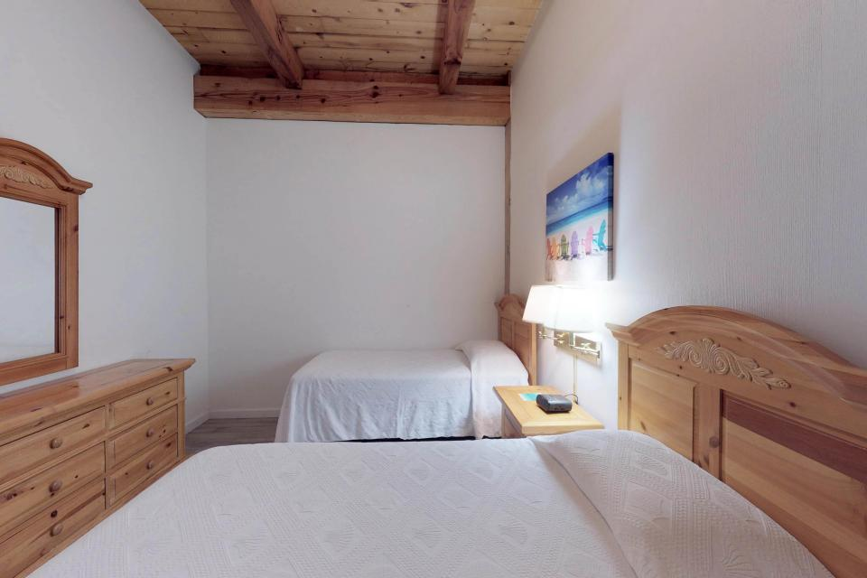 Island Inn - 46G - Oak Bluffs Vacation Rental - Photo 24