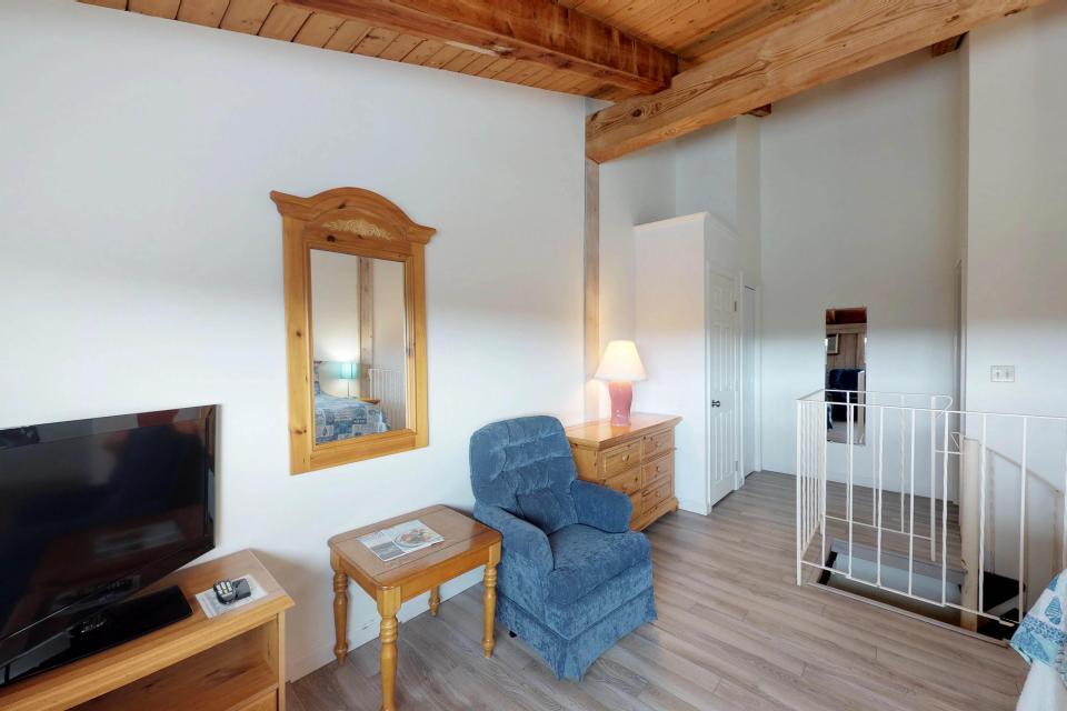 Island Inn - 46G - Oak Bluffs Vacation Rental - Photo 21
