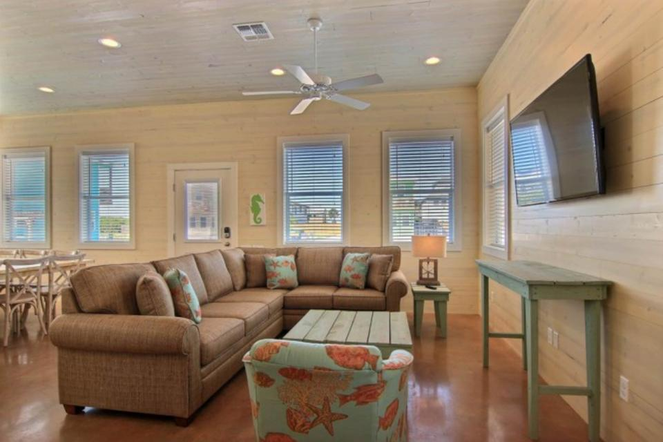 High Tides and Good Vibes in Gulf Village - Port Aransas Vacation Rental - Photo 12