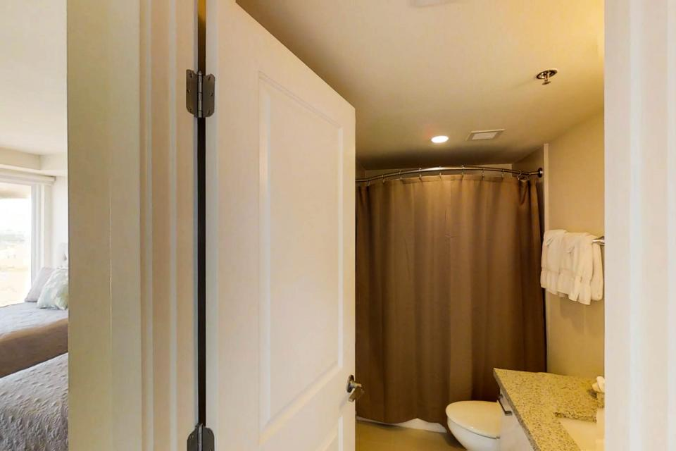 Solare Tower 1002A - South Padre Island Vacation Rental - Photo 19