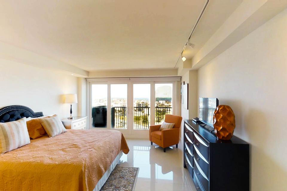 Solare Tower 1002A - South Padre Island Vacation Rental - Photo 11