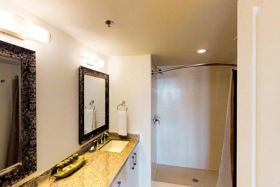 Solare Tower 1002A - South Padre Island Vacation Rental - Photo 14