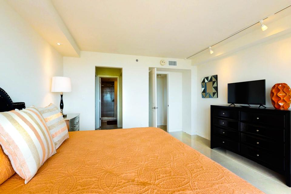 Solare Tower 906 - South Padre Island Vacation Rental - Photo 14