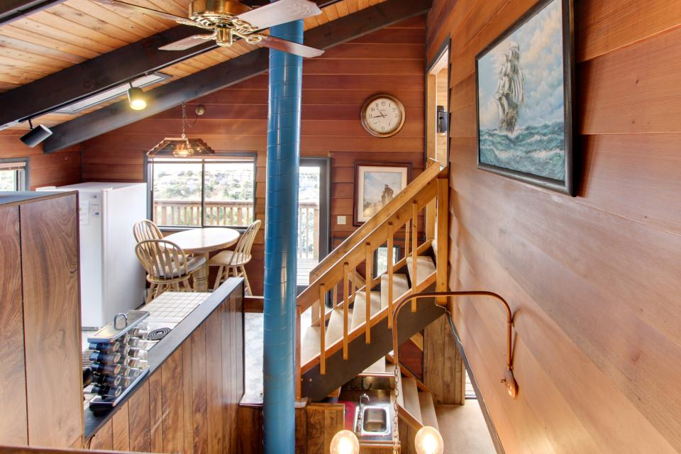 Stairway to Heaven - Rockaway Beach Vacation Rental - Photo 2