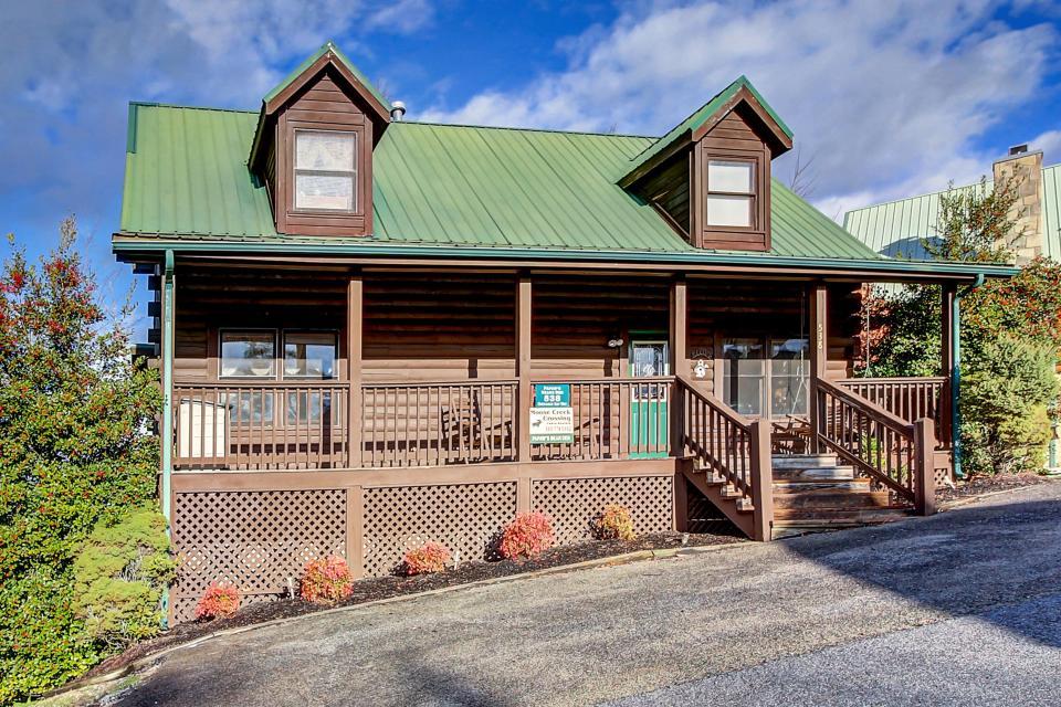 Arrowhead Log Cabin Resort: Papaw's Bear Den Cabin - Pigeon Forge Vacation Rental - Photo 25