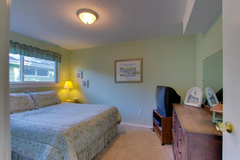 Ocean Vista Vacation Home - Seaside Vacation Rental - Photo 12