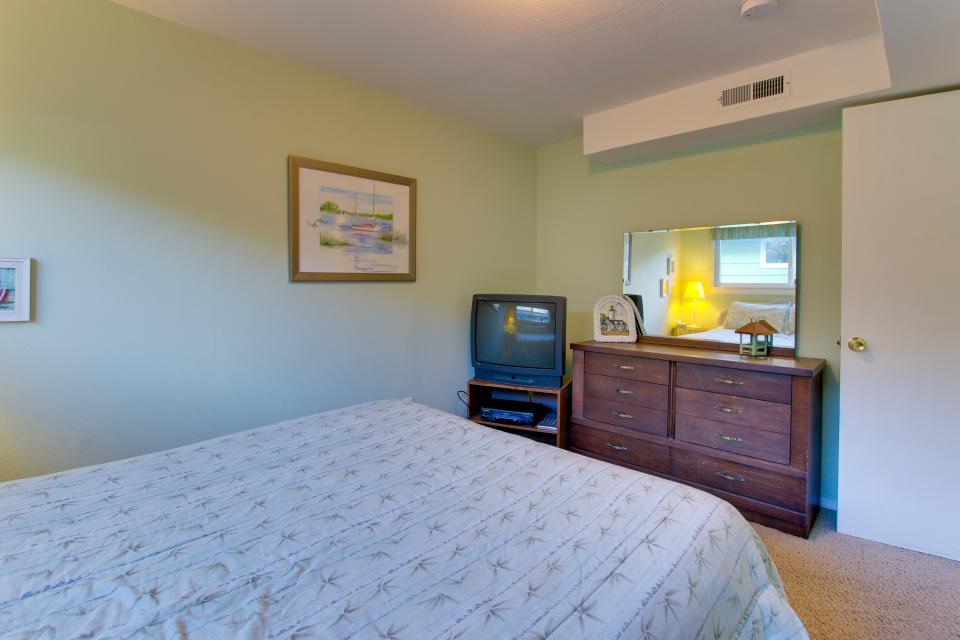 Ocean Vista Vacation Home - Seaside Vacation Rental - Photo 39