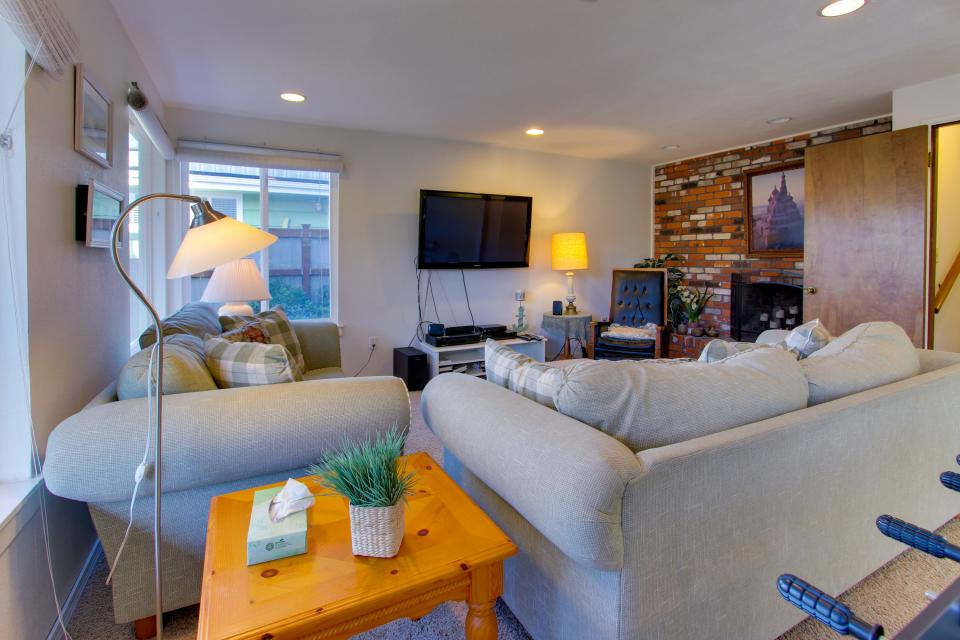 Ocean Vista Vacation Home - Seaside Vacation Rental - Photo 25
