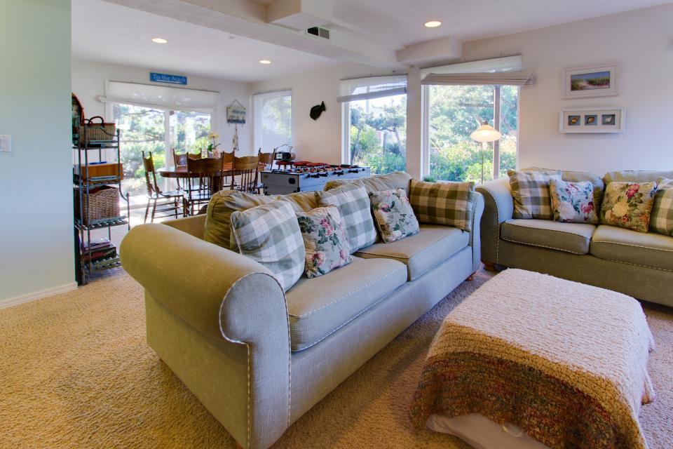 Ocean Vista Vacation Home - Seaside Vacation Rental - Photo 27