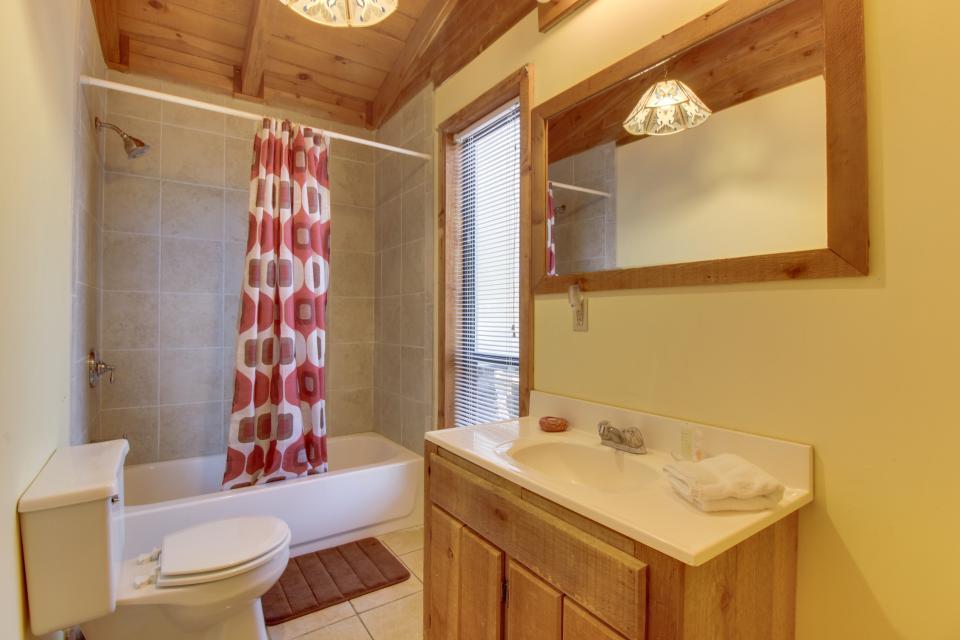 Birch Tree Cabin - Ellijay Vacation Rental - Photo 7