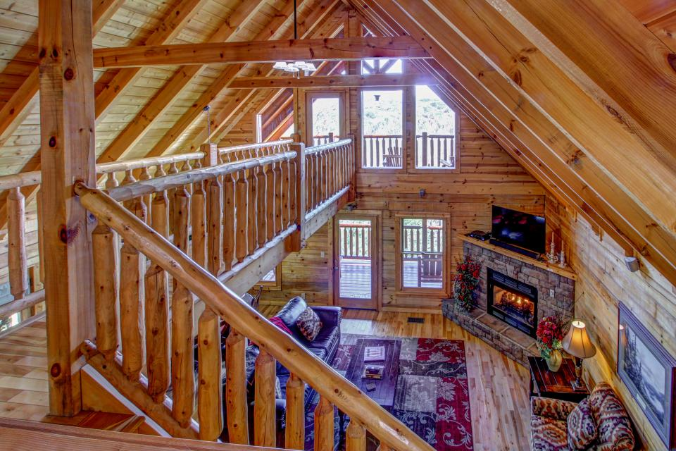 Touch Of Elegance Cabin   Vacation Rental   Photo ...