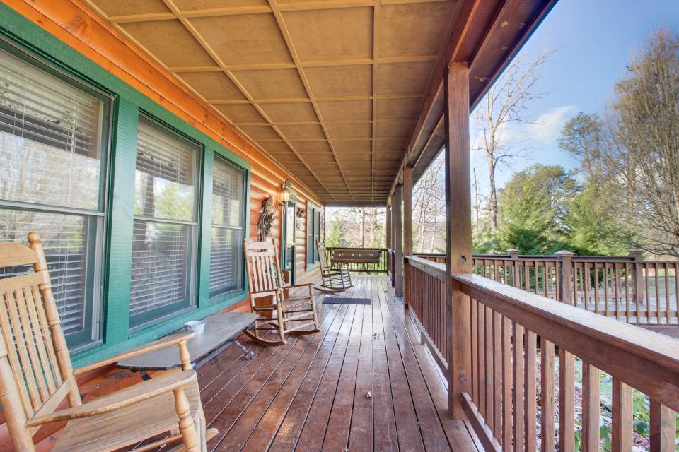 Amazing Grace Cabin - Sevierville Vacation Rental - Photo 55