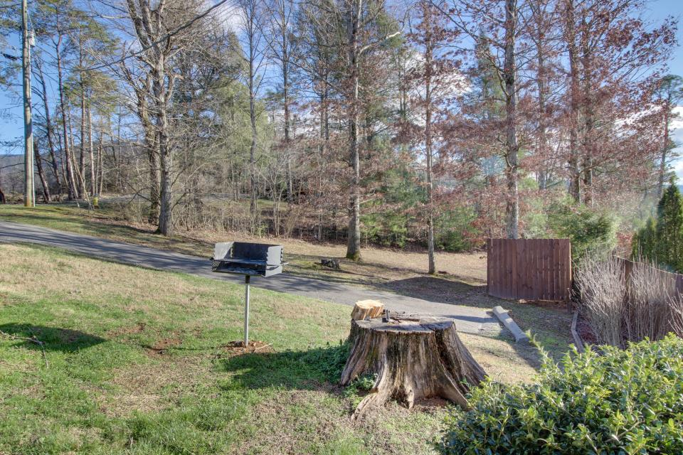 Amazing Grace Cabin - Sevierville Vacation Rental - Photo 56