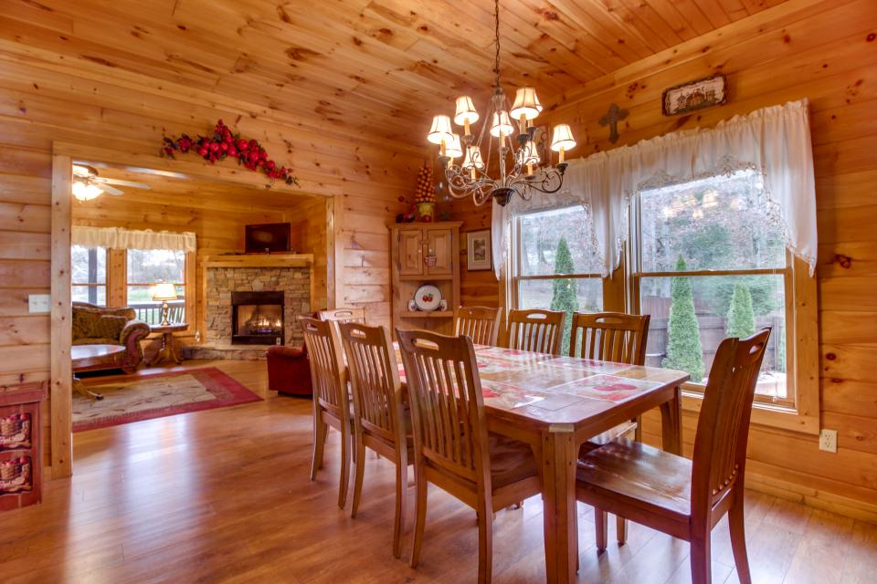 Amazing Grace Cabin - Sevierville Vacation Rental - Photo 8