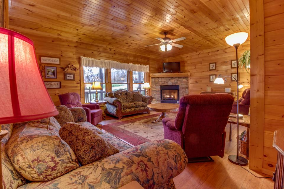 Amazing Grace Cabin - Sevierville Vacation Rental - Photo 29