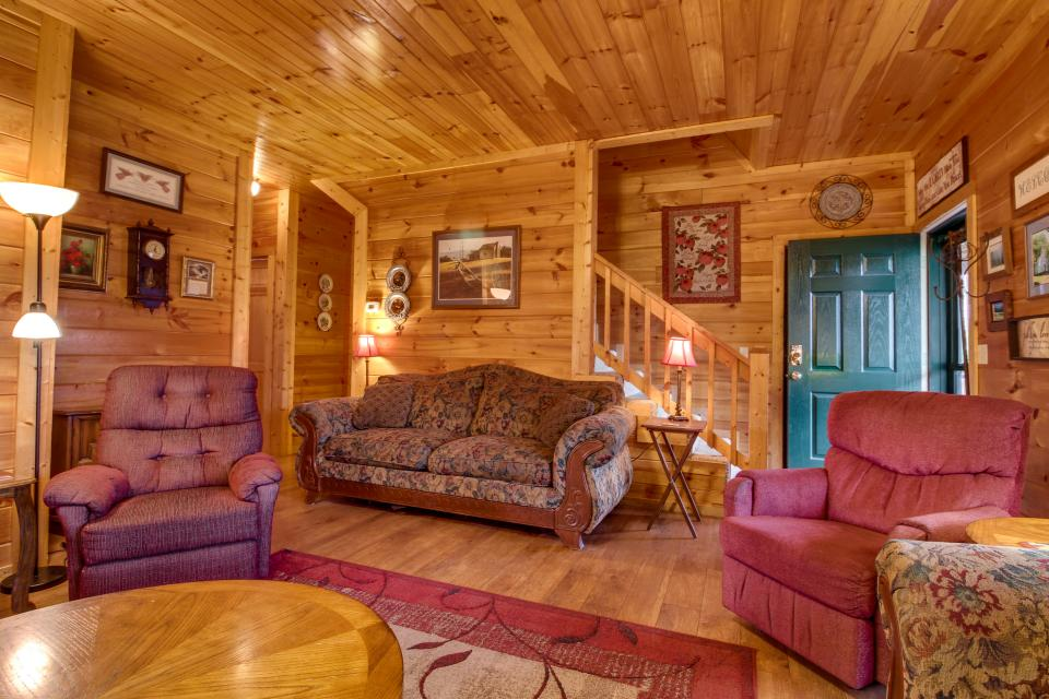 Amazing Grace Cabin - Sevierville Vacation Rental - Photo 10