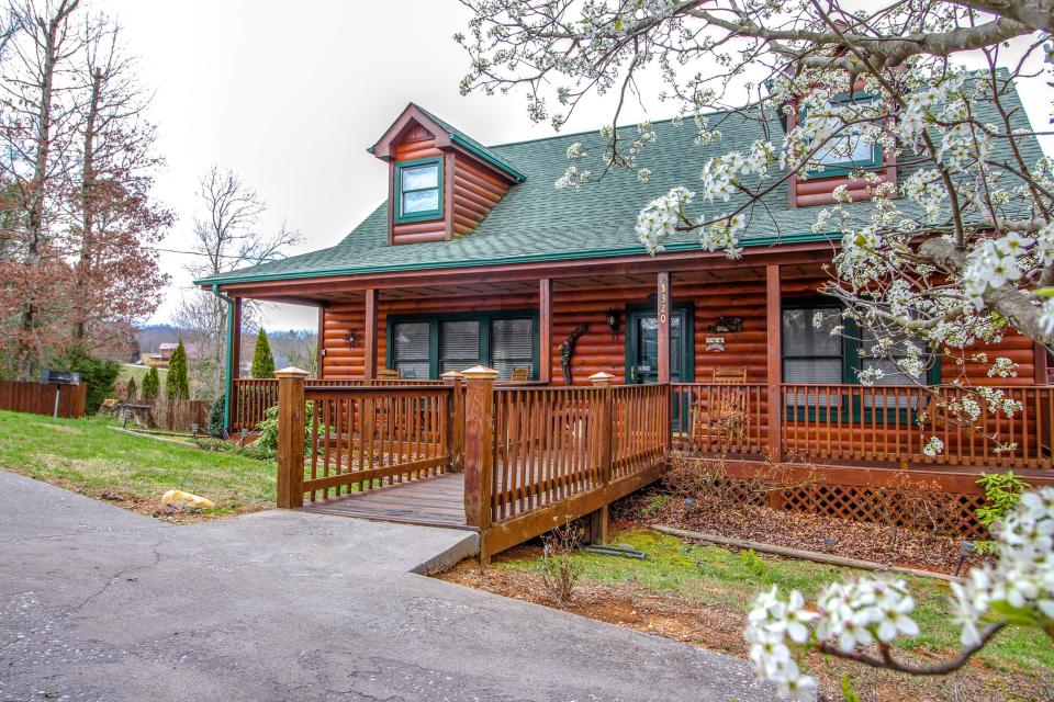 Amazing Grace Cabin - Sevierville Vacation Rental - Photo 26
