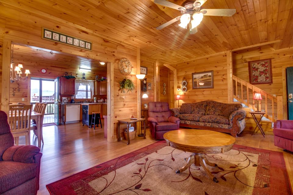 Amazing Grace Cabin - Sevierville Vacation Rental - Photo 28