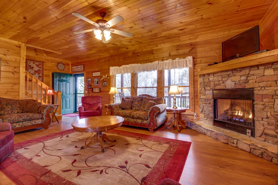Amazing Grace Cabin - Sevierville Vacation Rental - Photo 30