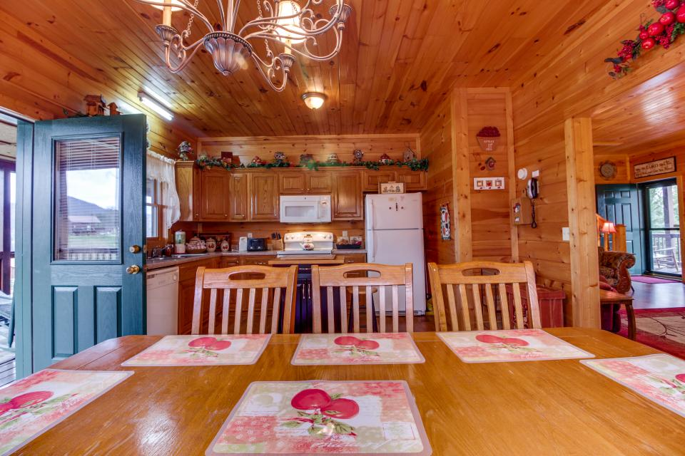 Amazing Grace Cabin - Sevierville Vacation Rental - Photo 31