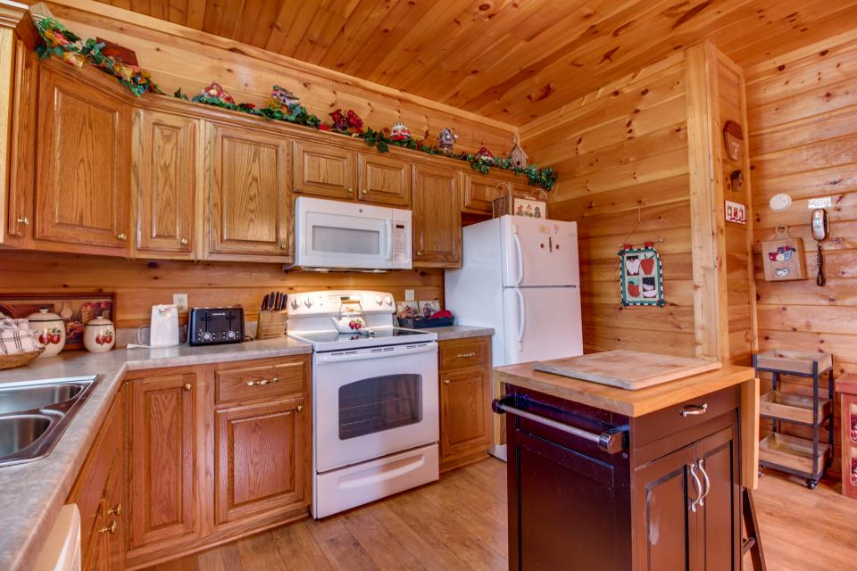 Amazing Grace Cabin - Sevierville Vacation Rental - Photo 33