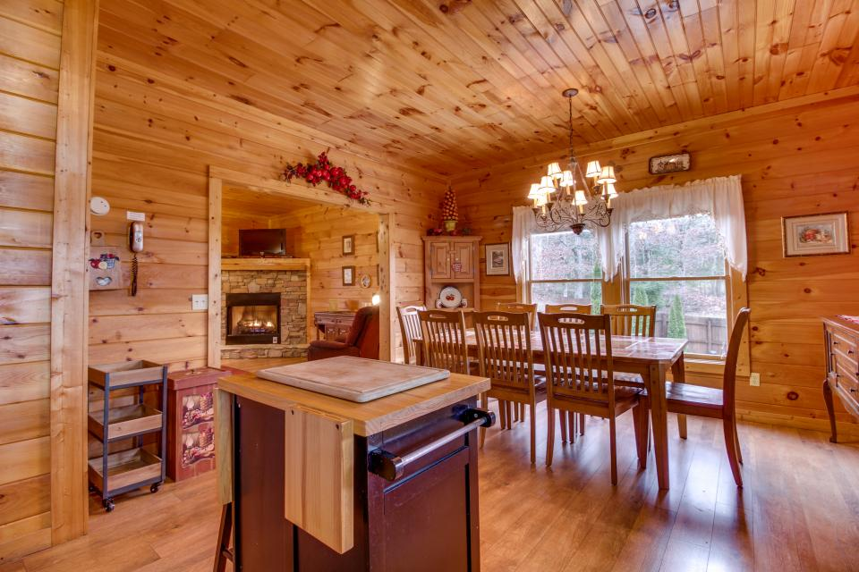 Amazing Grace Cabin - Sevierville Vacation Rental - Photo 34