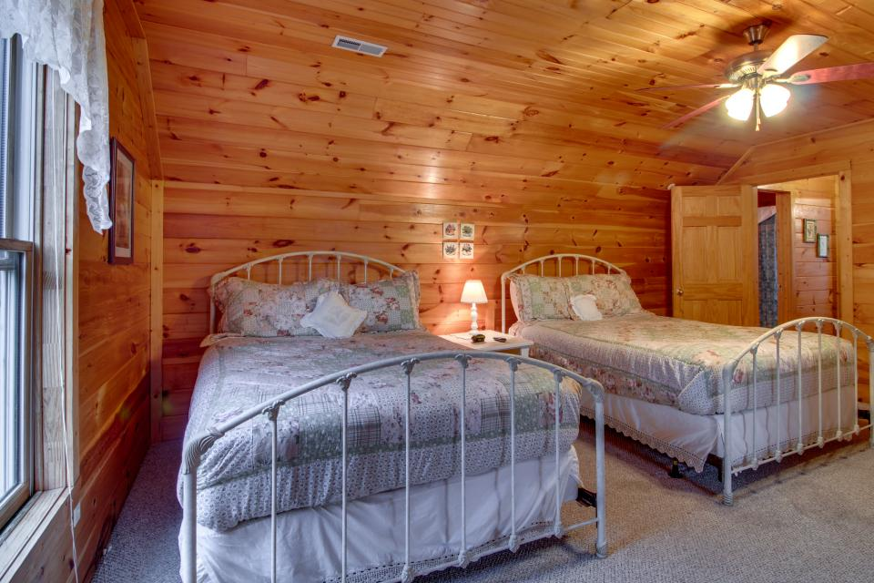 Amazing Grace Cabin - Sevierville Vacation Rental - Photo 46