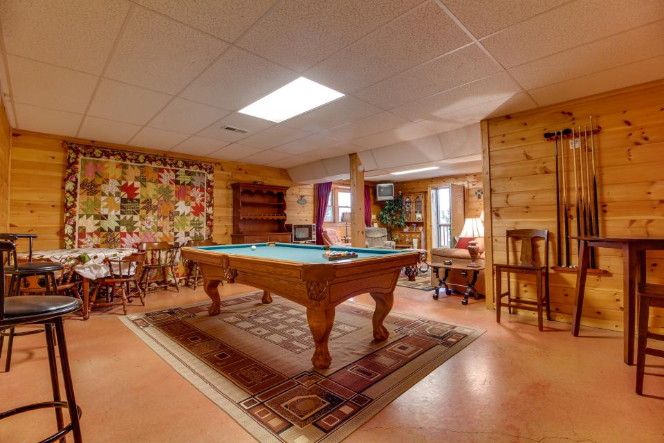 Amazing Grace Cabin - Sevierville Vacation Rental - Photo 35