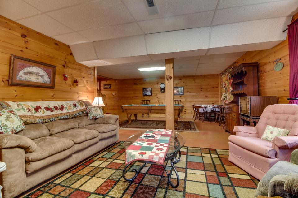 Amazing Grace Cabin - Sevierville Vacation Rental - Photo 37