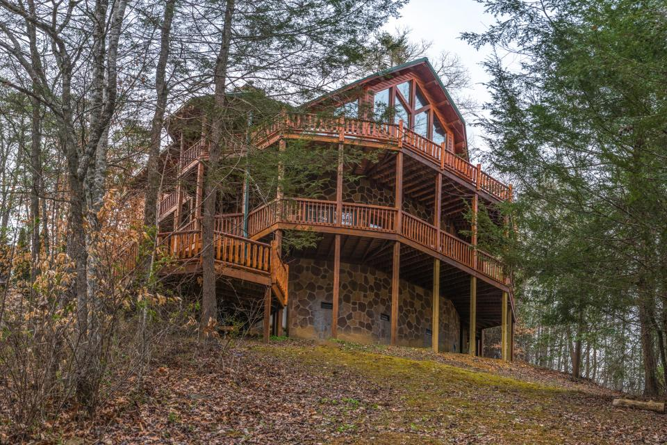 Mystic Falls Lodge Cabin 6 Bd Vacation Rental In