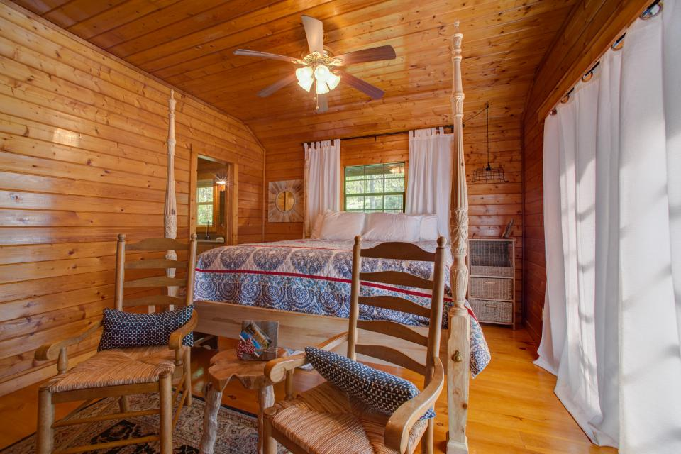 At Last Cabin - Ellijay Vacation Rental - Photo 11