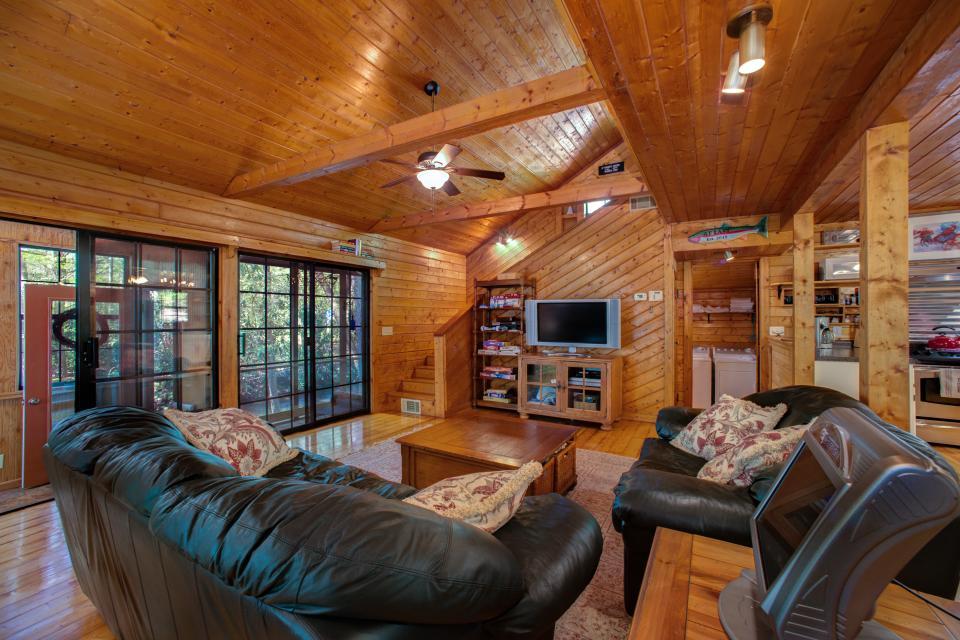 At Last Cabin - Ellijay Vacation Rental - Photo 35