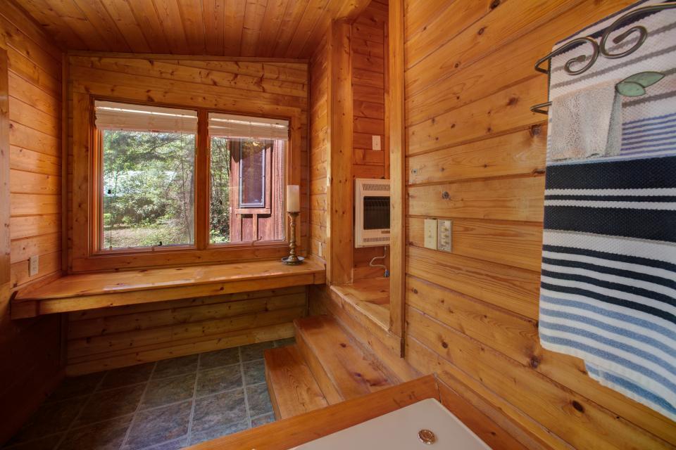 At Last Cabin - Ellijay Vacation Rental - Photo 38