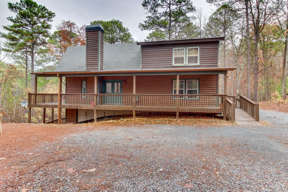Cherokee Overlook Cabin - Chatsworth Vacation Rental - Photo 28