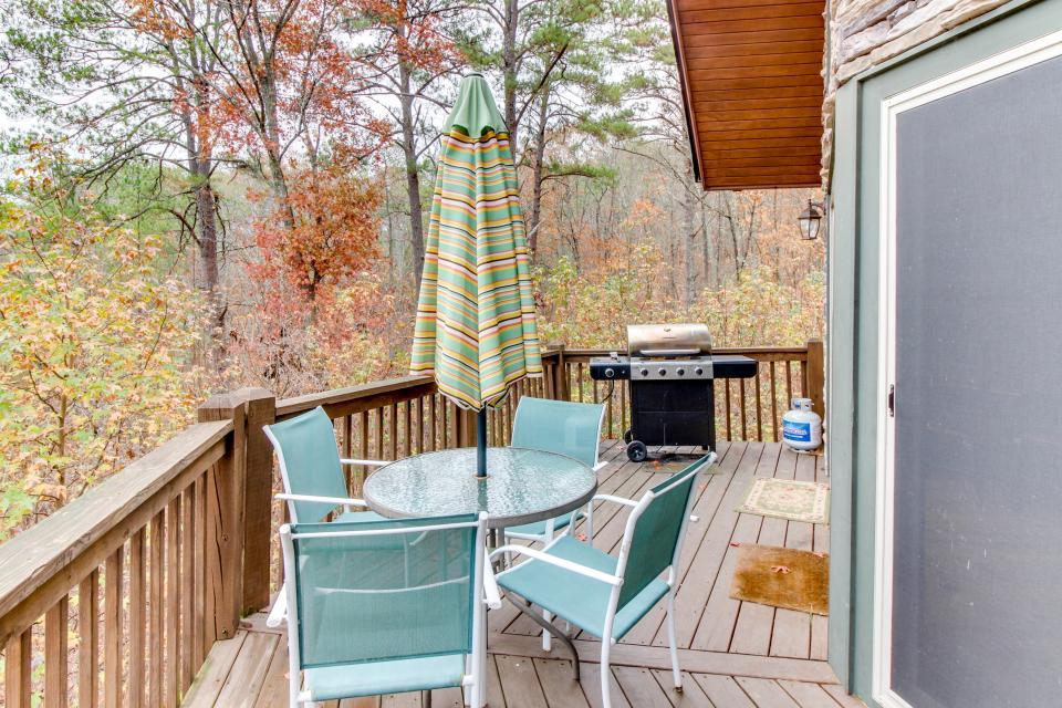 Cherokee Overlook Cabin - Chatsworth Vacation Rental - Photo 25
