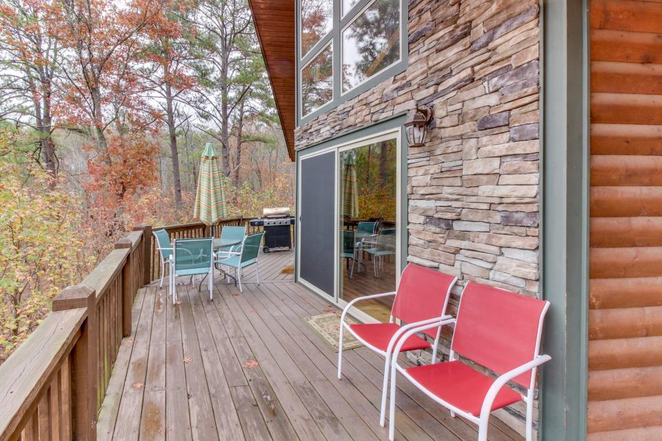 Cherokee Overlook Cabin - Chatsworth Vacation Rental - Photo 2