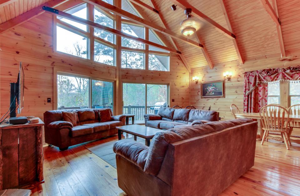 Cherokee Overlook Cabin - Chatsworth - Take a Virtual Tour