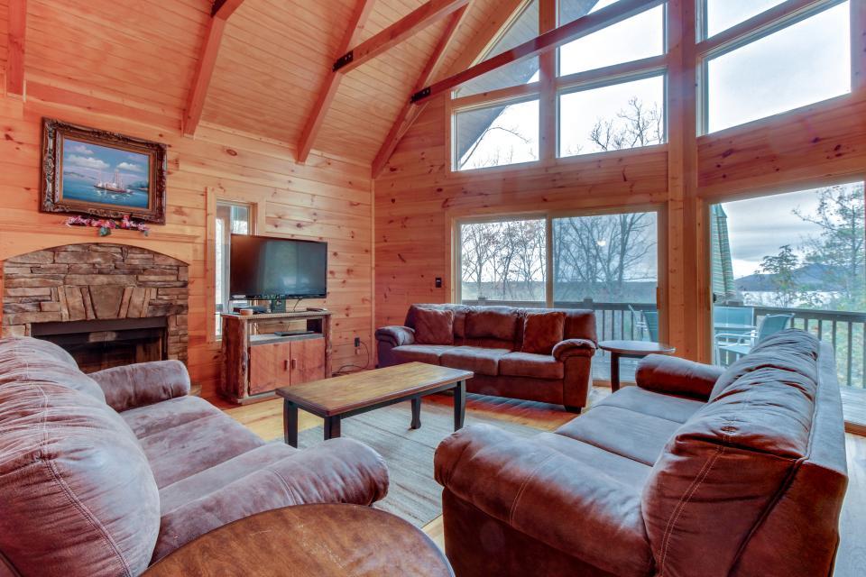 Cherokee Overlook Cabin - Chatsworth Vacation Rental - Photo 29