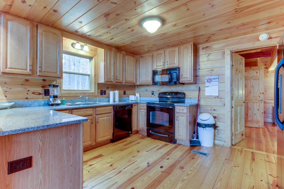 Cherokee Overlook Cabin - Chatsworth Vacation Rental - Photo 11