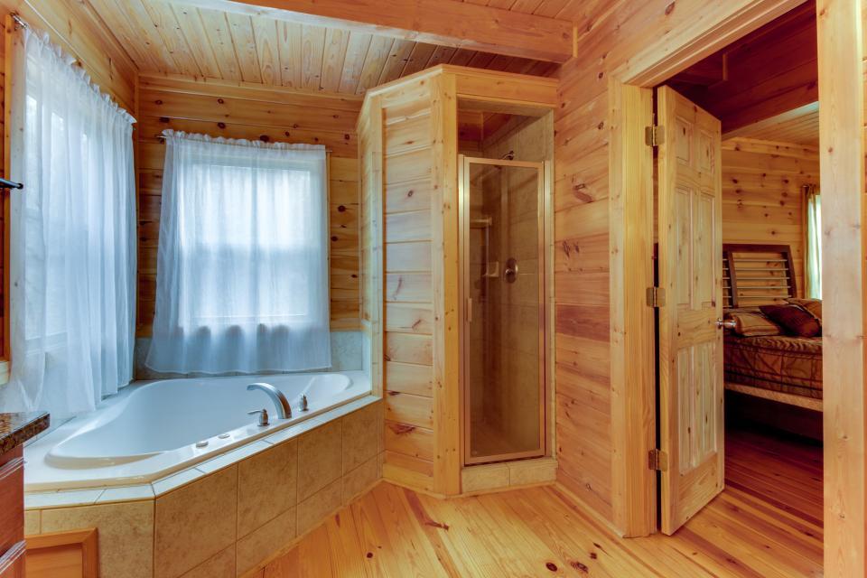 Cherokee Overlook Cabin - Chatsworth Vacation Rental - Photo 16
