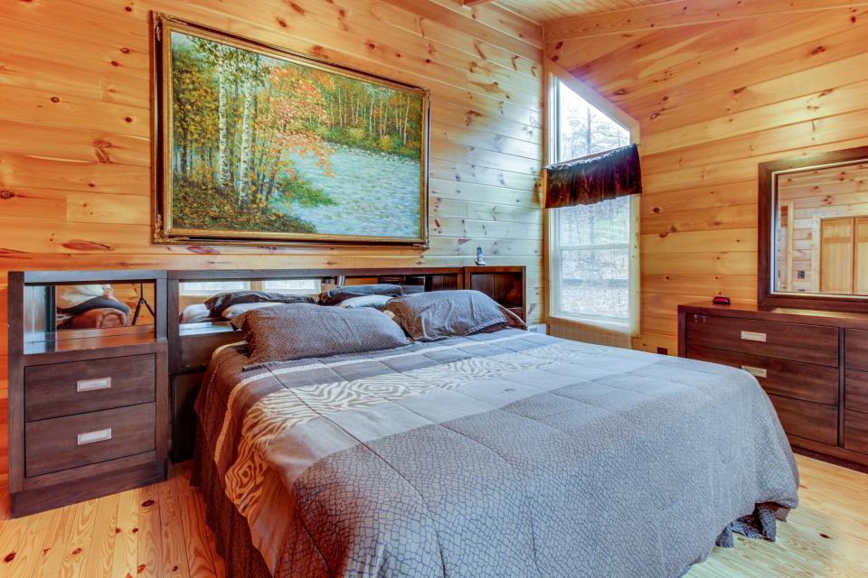 Cherokee Overlook Cabin - Chatsworth Vacation Rental - Photo 17