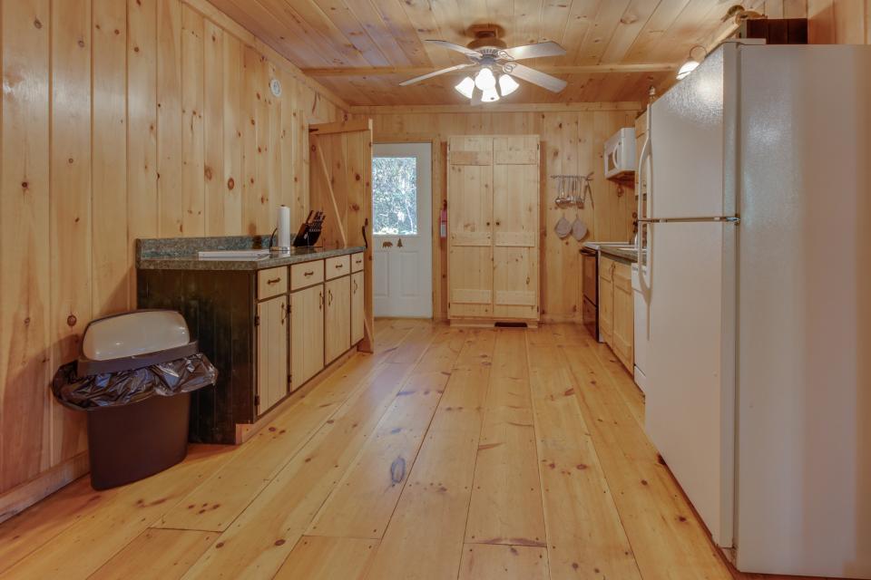 Cherokee Point Cabin - Ellijay Vacation Rental - Photo 36