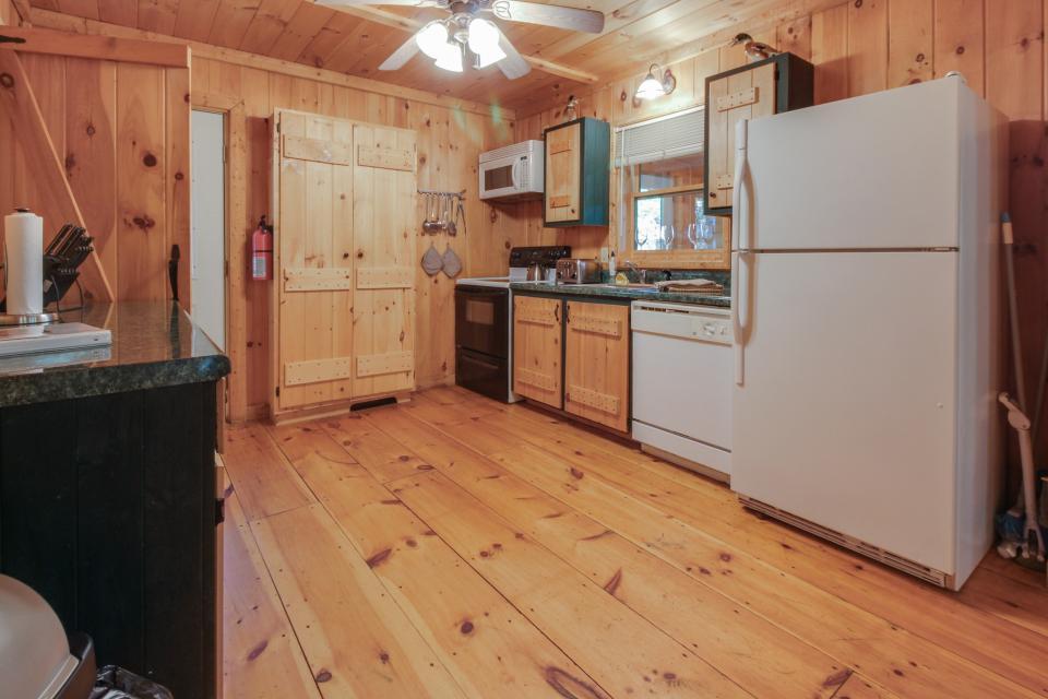 Cherokee Point Cabin - Ellijay Vacation Rental - Photo 11