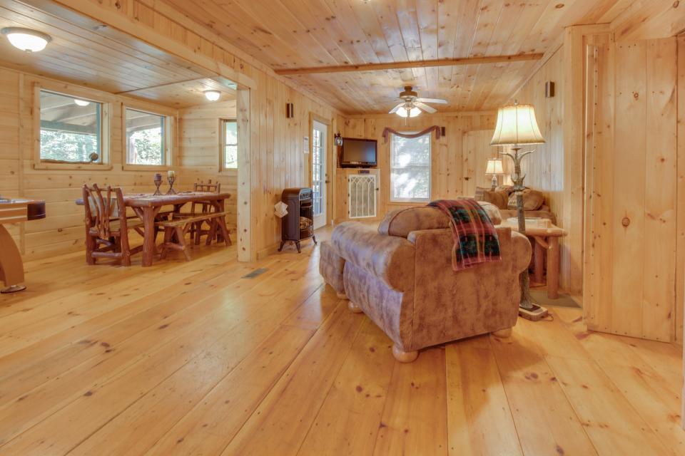 Cherokee Point Cabin - Ellijay Vacation Rental - Photo 34