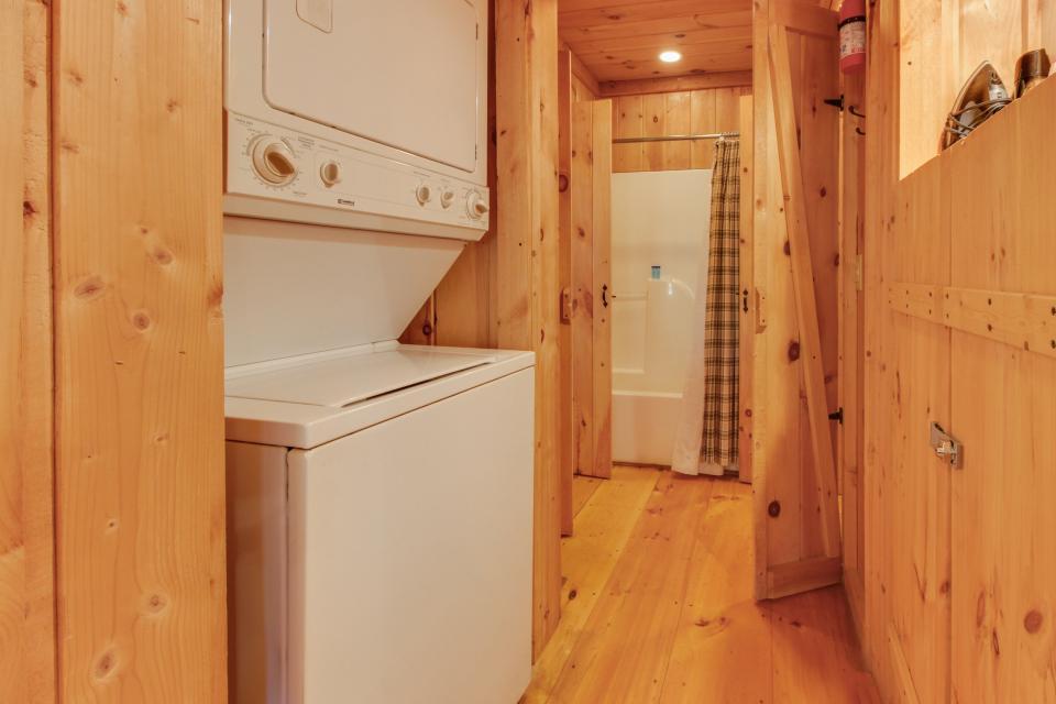 Cherokee Point Cabin - Ellijay Vacation Rental - Photo 42
