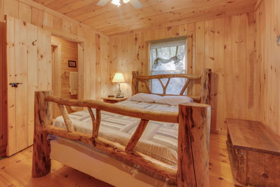 Cherokee Point Cabin - Ellijay Vacation Rental - Photo 37
