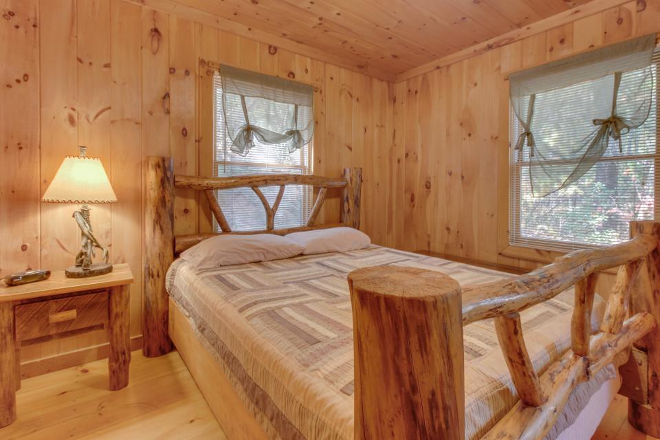 Cherokee Point Cabin - Ellijay Vacation Rental - Photo 14