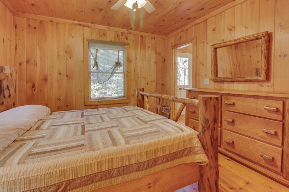 Cherokee Point Cabin - Ellijay Vacation Rental - Photo 15